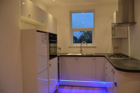 2 bedroom flat to rent - Rosslyn Crescent , Harrow, Middlesex , HA1 2SA