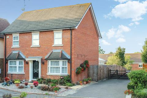 4 bedroom detached house to rent - Camomile Drive, WickfordSS11 SS11