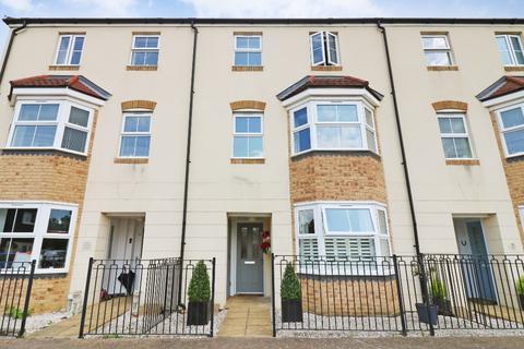 4 bedroom townhouse for sale - Herdwick Close, Bridgefield, Ashford, TN25 7FH