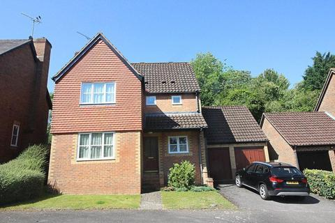 4 bedroom detached house for sale - Winterberry Way, Caversham Heights, Reading