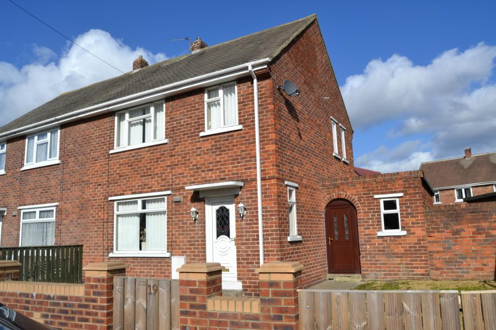 3 Bedrooms Semi Detached House for sale in Sheriffs Moor Avenue, Easington Lane, Houghton Le Spring, DH5