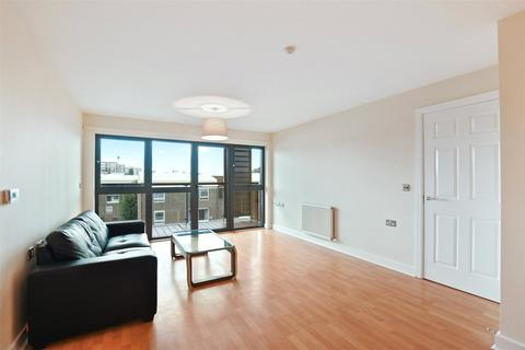 3 bedroom flat for sale - Atelier Court North, 42 Leven Road, London, E14