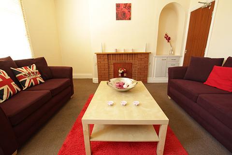 5 bedroom terraced house to rent -  Headingley Mount,  Leeds, LS6