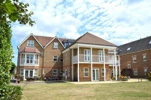 2 bedroom flat for sale - Queensborough House North, 16 Oatlands Chase, WEYBRIDGE, Surrey