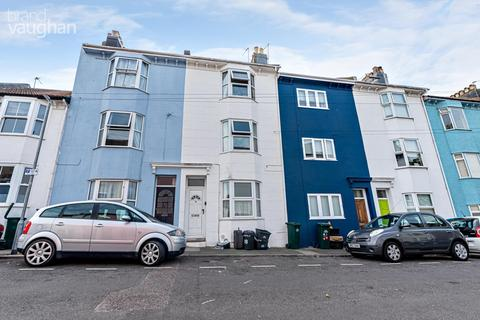 3 bedroom terraced house to rent - Whichelo Place, Brighton, BN2