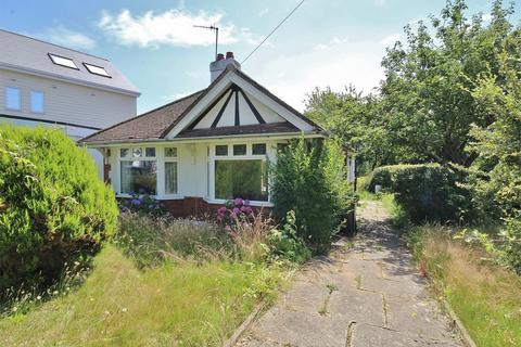 2 bedroom detached bungalow for sale - Whitecliff Crescent, Whitecliff, POOLE, Dorset