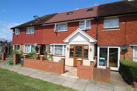 5 bedroom terraced house for sale - Staines Road, Bedfont