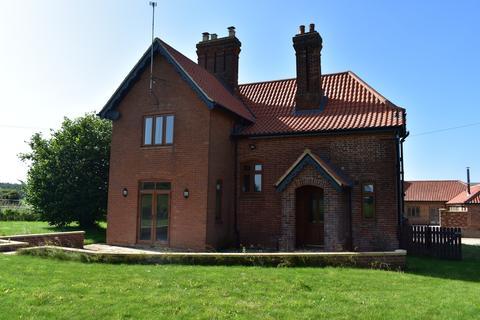 3 bedroom farm house to rent - Station Road, Great Fransham NR19 2JB