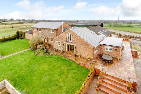 4 bedroom barn conversion for sale - Beech Lane, Kingsley