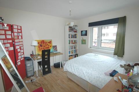 4 bedroom terraced house to rent - Rickman Street, London