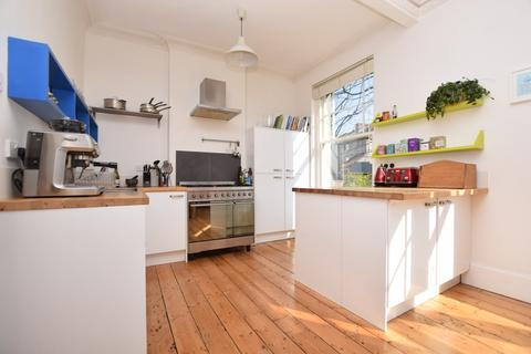 3 bedroom semi-detached house to rent - Kingsley Road, Cotham