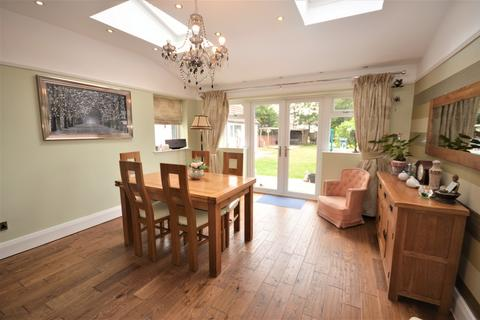 4 bedroom semi-detached house for sale - Highbury Road West, Lytham St. Annes, FY8