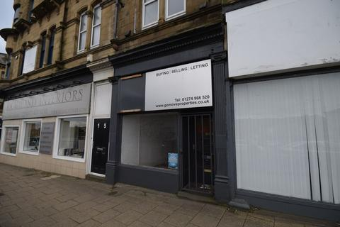 Shop to rent - Briggate, Shipley