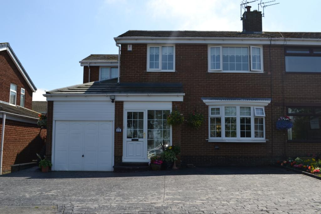 4 Bedrooms Semi Detached House for sale in St Marys Close, Easington Village, Co.Durham, SR8
