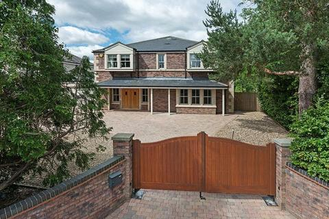 5 bedroom detached house for sale - 30 Western Way, Darras Hall, Ponteland