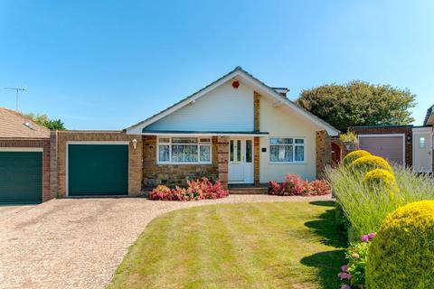 4 bedroom chalet for sale - Stirling Avenue, Seaford, East Sussex, BN25 3UN