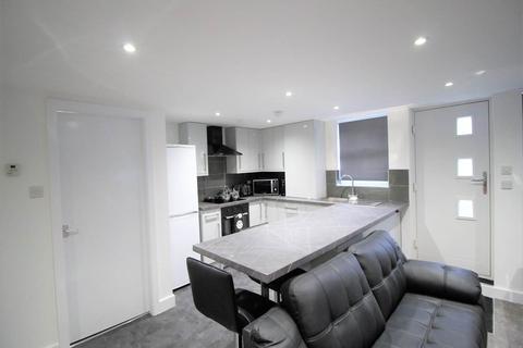 1 bedroom house share to rent - Headingley Mount, Leeds,