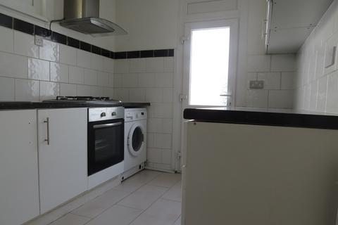 4 bedroom terraced house to rent - Thurso Street SW17