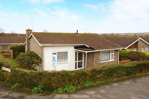 2 bedroom detached bungalow to rent - Celtic Crescent, Dorchester, DT1
