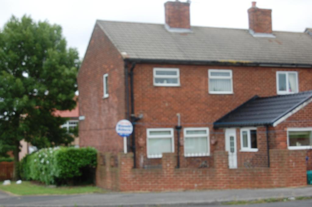 3 Bedrooms House for sale in St Ives Place, Murton, Co. Durham, SR7