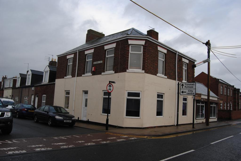 5 Bedrooms Flat for sale in Castlereagh Street, Silksworth, Sunderland, SR3