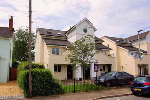 3 bedroom end of terrace house for sale - Libertus Road, Cheltenham