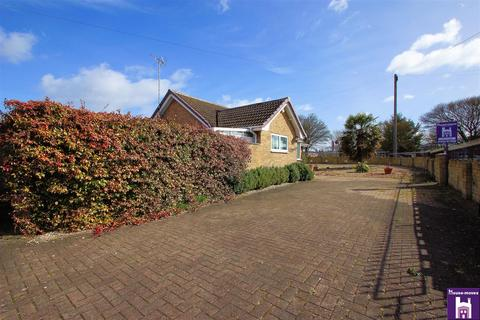 3 bedroom detached bungalow for sale - Loweswater Road, GL51