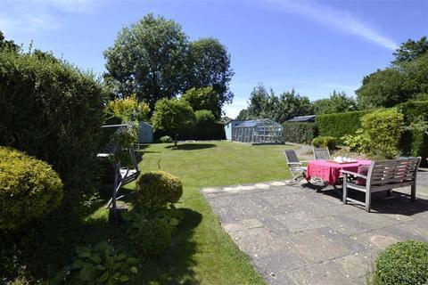 4 bedroom detached bungalow for sale - Pond Lane, Hermitage, Berkshire, RG18