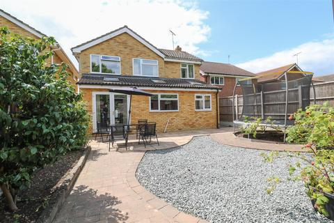 4 bedroom detached house for sale - Sussex Close, Boreham, Chelmsford