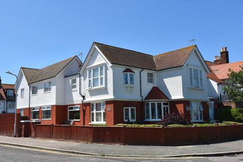 Guest house for sale - Westcliff Gardens, Margate, CT9