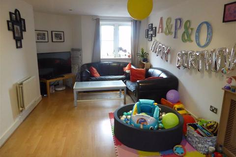 2 bedroom flat for sale - Wilcock Street, Hulme, Manchester