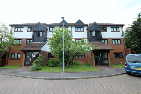2 bedroom flat for sale - Armada Court, Chafford Hundred, Grays