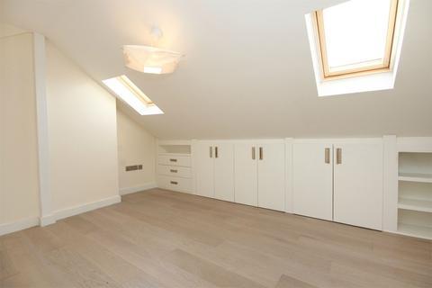 4 bedroom flat to rent - Horn Lane, Acton, W3