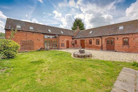 3 bedroom barn conversion to rent - Wheatstone Barn, Moatbrook Lane, Codsall, Wolverhampton, WV8