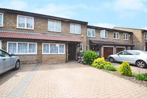 4 bedroom terraced house for sale - Brackendale Close, Osterley