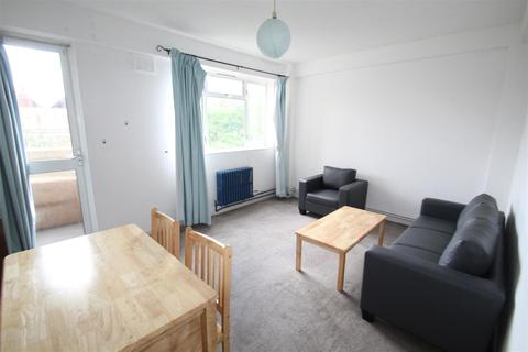 2 bedroom flat to rent - Ansell House, Mile End Road