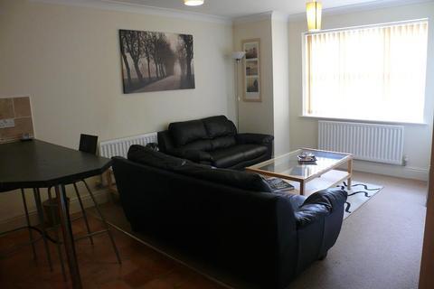 2 bedroom flat to rent - Woolcombers Way, Tyersal, Bradford