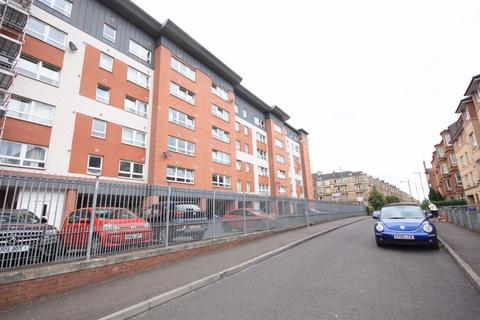 2 bedroom flat to rent - Flat 1/1, 11 Finlay Drive