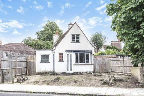 2 bedroom detached house for sale - Madeira Road London SW16