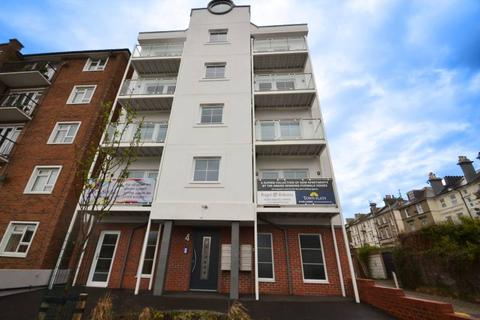 2 bedroom flat to rent - The Avenue, Eastbourne BN21