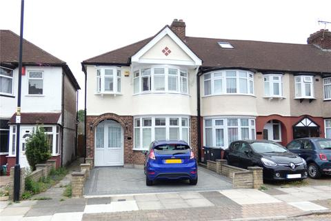 3 bedroom end of terrace house for sale - Chatsworth Drive, Enfield, Greater London, EN1