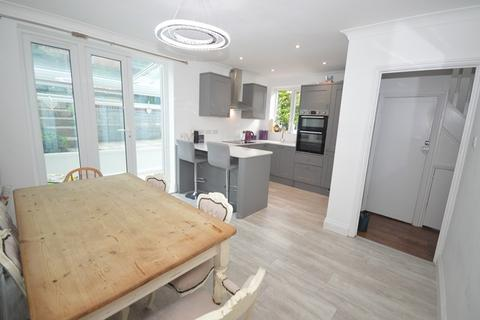 3 bedroom semi-detached house to rent - Garfield Road, Southampton - Newly Refurbished A Must See