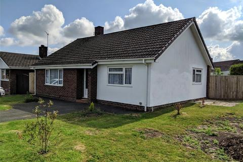 2 bedroom bungalow to rent - Rowan Drive, Royal Wootton Bassett, Swindon, Wiltshire, SN4