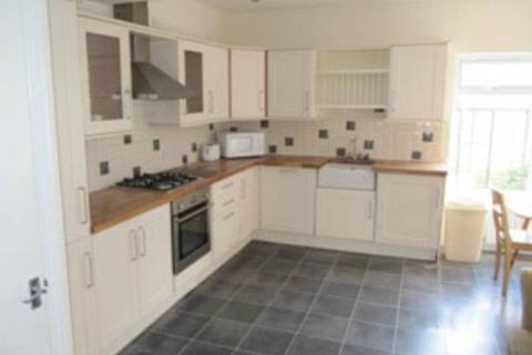 4 bedroom terraced house to rent - Matfan Place, Fenham, newcastle NE4