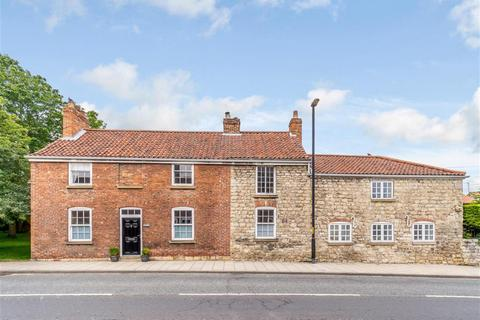 5 bedroom detached house for sale - York Road, Tadcaster, LS24 8AE