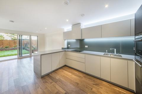 4 bedroom house to rent - Sir Alexander Close, Napier Square, Bromyard Avenue, Acton, London W3