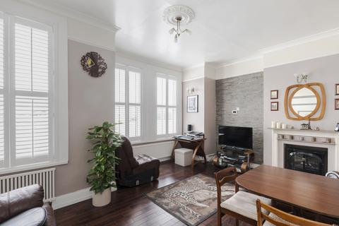 3 bedroom flat for sale - Daysbrook Road, Streatham Hill
