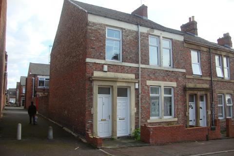 3 bedroom flat for sale - Raby Street, Gateshead