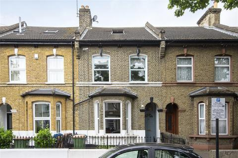 4 bedroom terraced house to rent - East Road, London, E15