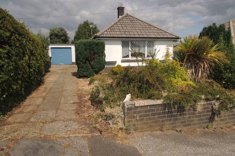 2 bedroom detached bungalow for sale - monkton crescent, parkstone, poole BH12